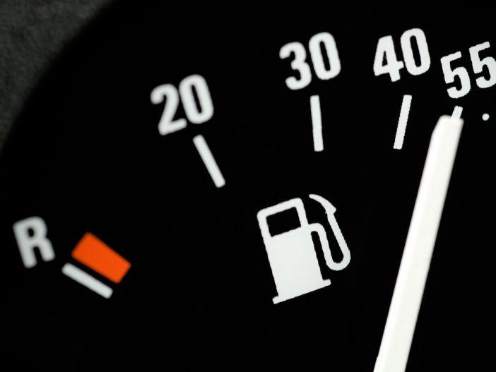So viel Kraftstoff passt in den Tank: Das Tankvolumen