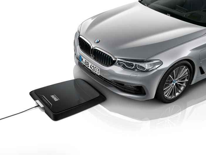 Einfach kabellos aufladen: Das neue BMW Wireless Charging für den 530e iPerformance