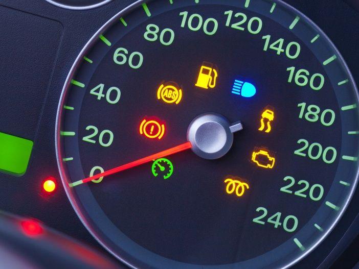 Teure Defekte drohen: Diese Warnleuchten im Auto sollten Sie unbedingt ernst nehmen