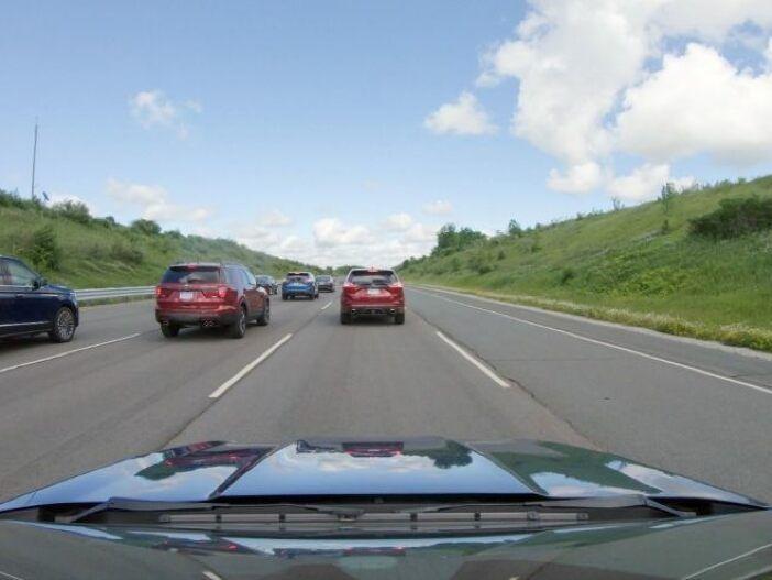Per Fahrassistent gegen den Phantomstau: Ford untersucht Wirkung von adaptiver Geschwindigkeitsregelung
