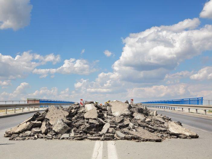 Blow-ups: Wenn die Fahrbahn der Autobahn aufplatzt