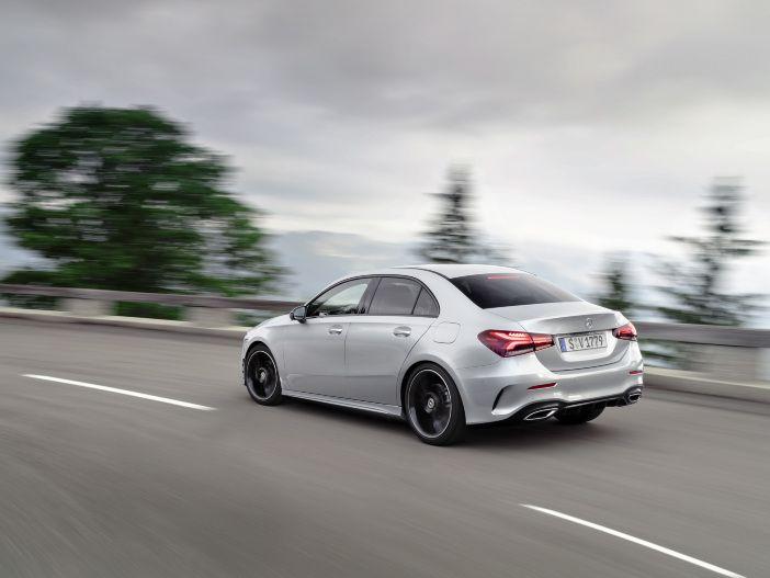 Stufenheck jetzt auch für Deutschland: Die neue Mercedes-Benz A-Klasse Limousine