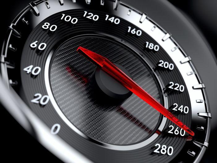 Auto Leasing - Je schneller, desto mehr? So hängt der Kraftstoffverbrauch von der gefahrenen Geschwindigkeit ab