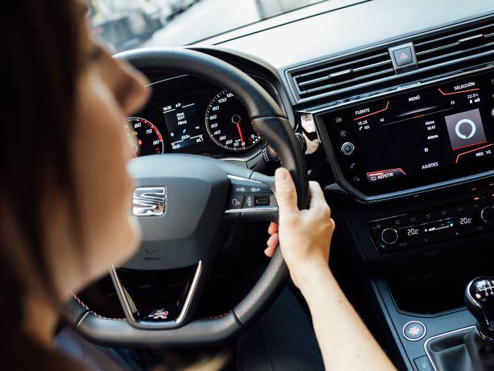 Sprachsteuerung im Auto: Seat bindet Alexa ein