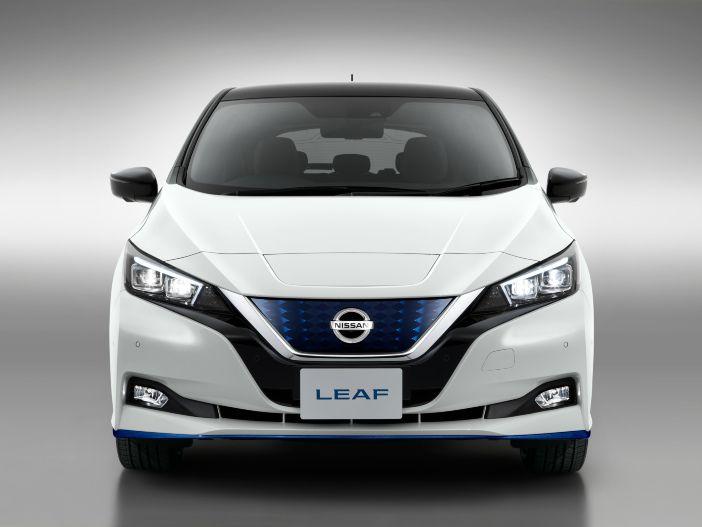 Zwei neue Sondermodelle für das Elektrofahrzeug: Der überarbeitete Nissan LEAF