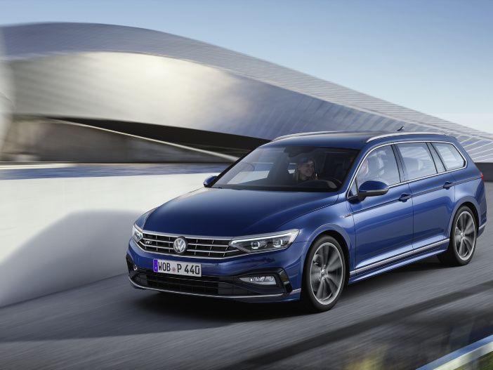 Mit Travel Assist sogar teilautomatisiert unterwegs: Der neue VW Passat