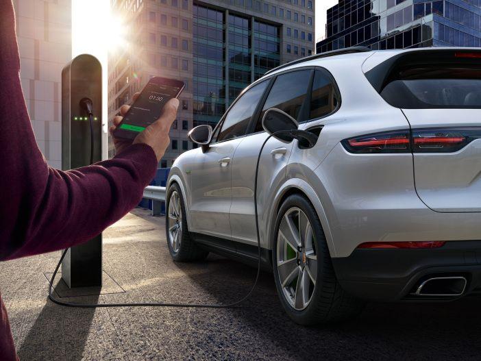 Einfach(er) laden: Update für den Porsche Charging Service