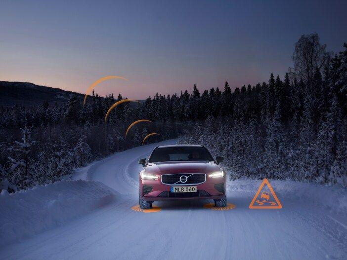 Cloud-basierte Sicherheit im Straßenverkehr: Autos von Volvo warnen sich künftig gegenseitig